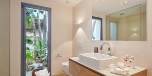 Luxusní vila s krásným výhledem na moře v Santa Ponsa (Thumbnail 8)