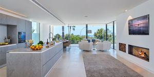Luxusní vila s krásným výhledem na moře v Santa Ponsa (Thumbnail 4)
