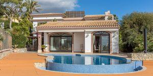 Sea view villa in excellent location in Nova Santa Ponsa (Thumbnail 2)