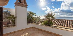 Sea view villa in excellent location in Nova Santa Ponsa (Thumbnail 7)