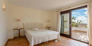 Sea view villa in excellent location in Nova Santa Ponsa (Thumbnail 8)