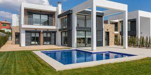 Erstklassige Villa mit Nähe zum Strand von Cala Murade (Thumbnail 1)