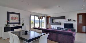 Minimalist villa with sea views in Cala Vinyas (Thumbnail 2)