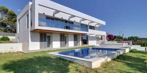 Minimalist villa with sea views in Cala Vinyas (Thumbnail 1)