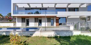 Minimalist villa with sea views in Cala Vinyas (Thumbnail 7)