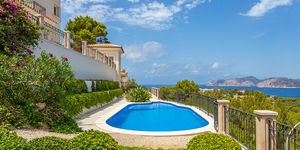 Mediterranean style villa with panoramic sea view in Santa Ponsa (Thumbnail 9)