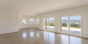 Mediterranean style villa with panoramic sea view in Santa Ponsa (Thumbnail 3)