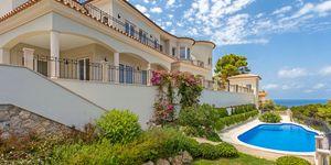 Mediterranean style villa with panoramic sea view in Santa Ponsa (Thumbnail 1)