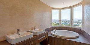 Mediterranean style villa with panoramic sea view in Santa Ponsa (Thumbnail 5)