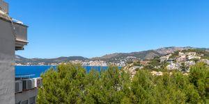 Zrenovovaný apartmán s výhledem na moře v Santa Ponsa (Thumbnail 1)