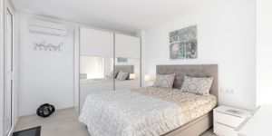 Zrenovovaný apartmán s výhledem na moře v Santa Ponsa (Thumbnail 6)
