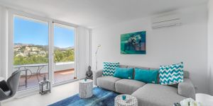 Zrenovovaný apartmán s výhledem na moře v Santa Ponsa (Thumbnail 3)