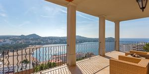 Moderne Villa mit Meeresausblick (Thumbnail 1)