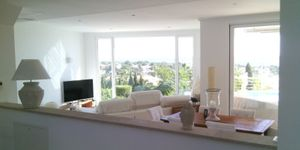 Moderne Villa in bester Lage und traumhaftem Panorama-Meerblick (Thumbnail 2)