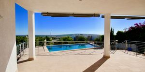 Moderne Villa in bester Lage und traumhaftem Panorama-Meerblick (Thumbnail 8)