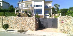 Moderne Villa in bester Lage und traumhaftem Panorama-Meerblick (Thumbnail 1)