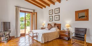 Villa im Fincastil in exklusiver Wohnlage (Thumbnail 10)