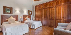 Villa im Fincastil in exklusiver Wohnlage (Thumbnail 8)