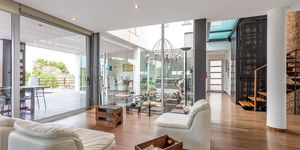 Modern villa for sale with views to the Palma bay (Thumbnail 6)