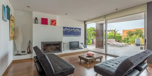 Modern villa for sale with views to the Palma bay (Thumbnail 4)
