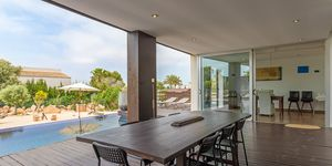 Modern villa for sale with views to the Palma bay (Thumbnail 2)
