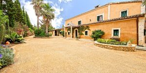 Finca in Palma - Property with lots of s (Thumbnail 1)