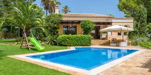 Prestigious villa with guest house in Santa Ponsa (Thumbnail 1)