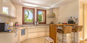 Prestigious villa with guest house in Santa Ponsa (Thumbnail 5)