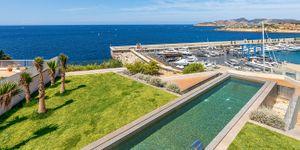 New villa in 1st sea line in El Toro (Thumbnail 1)