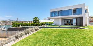 New villa in 1st sea line in El Toro (Thumbnail 2)