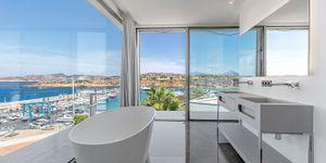 New villa in 1st sea line in El Toro (Thumbnail 9)