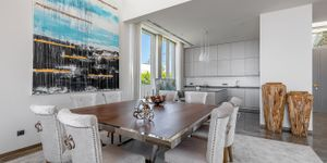 New villa in 1st sea line in El Toro (Thumbnail 5)