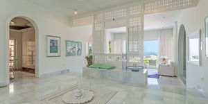 Special property with panoramic sea view (Thumbnail 10)