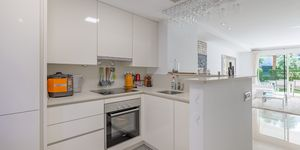 Modern terraced house within walking distance to the beach in Camp de Mar. (Thumbnail 6)