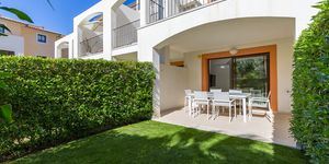 Modern terraced house within walking distance to the beach in Camp de Mar. (Thumbnail 3)