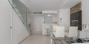 Modern terraced house within walking distance to the beach in Camp de Mar. (Thumbnail 7)
