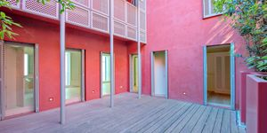 Luxury apartment with private patio and 2 parking spaces in Palma (Thumbnail 8)