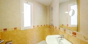 Sea view apartment with restaurant located 50 m from the beach, Portixol, Palma (Thumbnail 10)