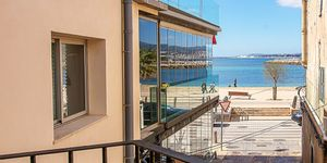 Sea view apartment with restaurant located 50 m from the beach, Portixol, Palma (Thumbnail 1)