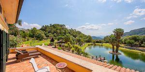 Einzigartige Luxusvilla in Esporles mit Traumblick auf malerische Seenlandschaft (Thumbnail 4)