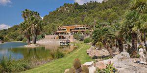 Einzigartige Luxusvilla in Esporles mit Traumblick auf malerische Seenlandschaft (Thumbnail 1)