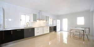 Newly-built villa with terrace, pool and seaviews in Gènova, Palma de Mallorca (Thumbnail 2)