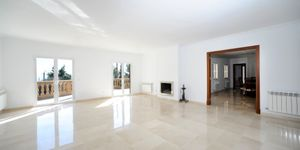 Newly-built villa with terrace, pool and seaviews in Gènova, Palma de Mallorca (Thumbnail 7)