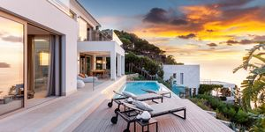 Luxus Anwesen in erster Meereslinie (Thumbnail 3)