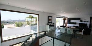 Minimalist villa with sea views in Cala Vinyas (Thumbnail 3)