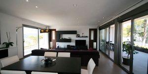 Minimalist villa with sea views in Cala Vinyas (Thumbnail 5)