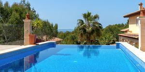 Costa de la Calma: Luxury Villa in a quiet residential area (Thumbnail 1)