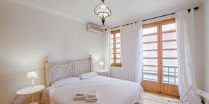 Impressive townhouse with private roof terrace in La Lonja, Palma de Mallorca (Thumbnail 9)