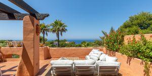 Spacious duplex penthouse with sea view (Thumbnail 1)