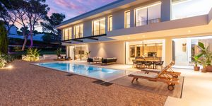 Modern property with partial sea view in sought after location of Santa Ponsa (Thumbnail 2)